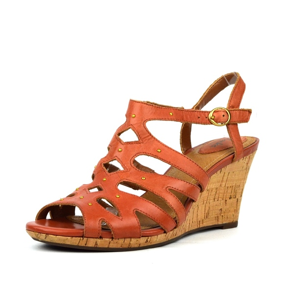 bad9535e35b CLARKS Artisan Women's Wedge Strappy Sandal
